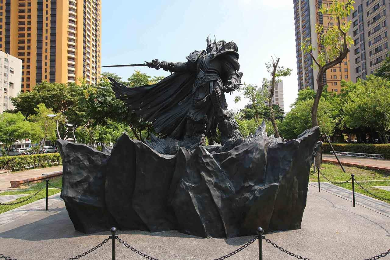 You are currently viewing Blizzard Celebrates Its 25th Anniversary By Making A Giant Bronze Lich King Statue