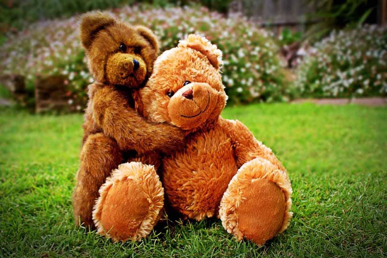 Hugging Makes Us Happier