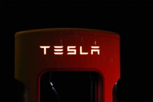 Read more about the article Tesla Might Start Its Own Music Streaming Service