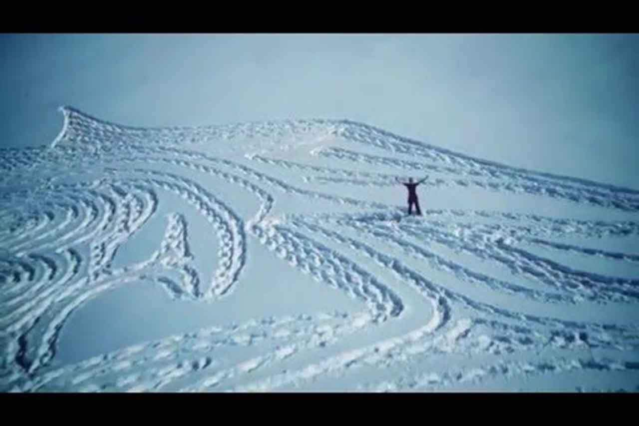 This Man Created The Largest Game Of Thrones Snow Tribute On Earth