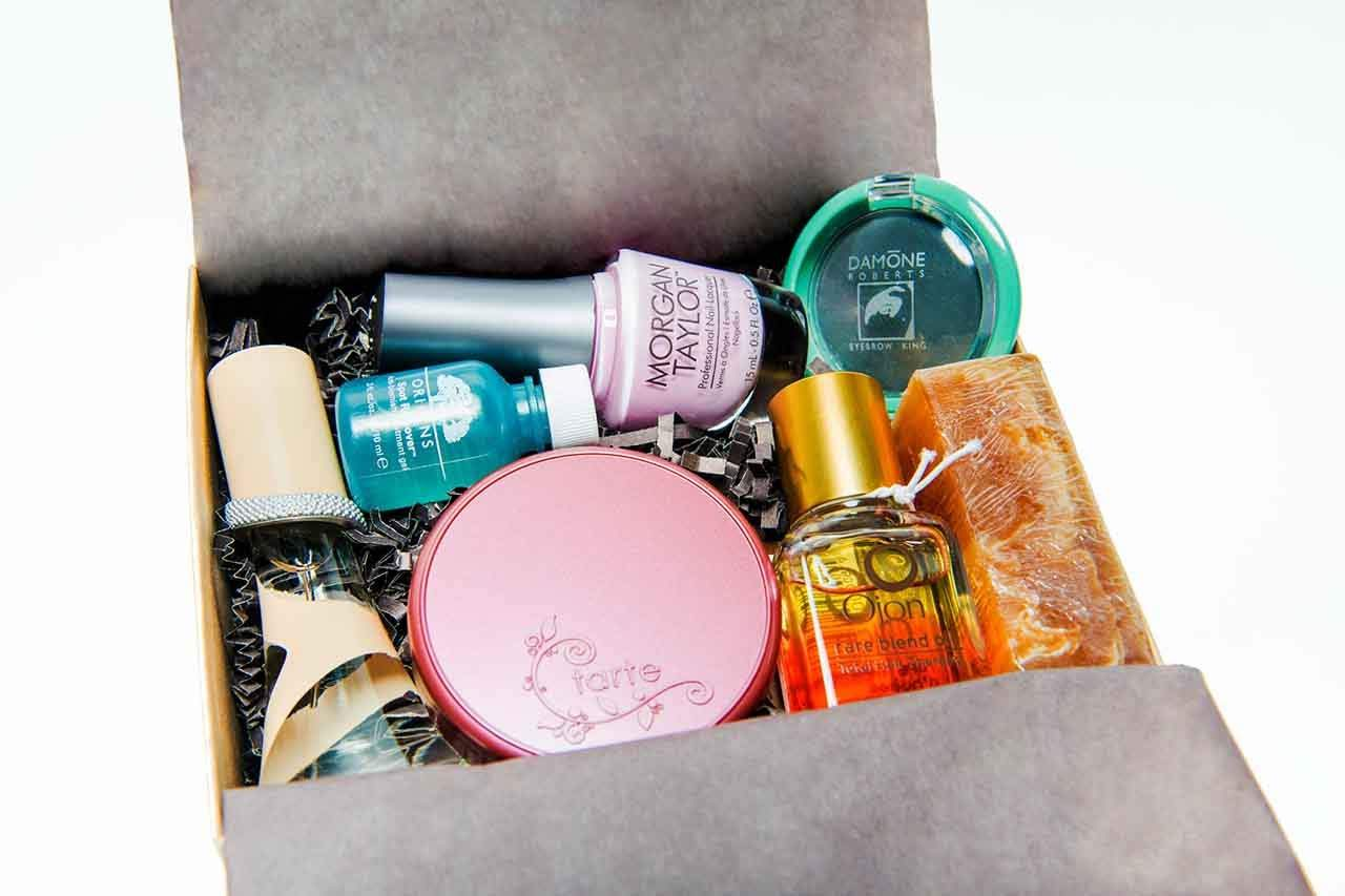 """You are currently viewing Unboxing A Beauty Subscription Box: """"Little Known Box"""""""